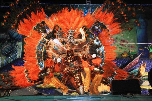 Fantasia do Peixe Japonês! Eleito Rei do Carnaval de Cozumel
