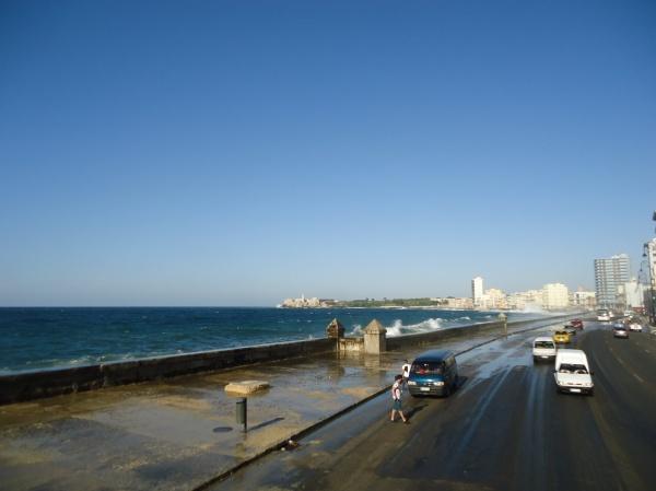 Malecón e Vista para Habana Vieja Foto: Rodrigo Souto