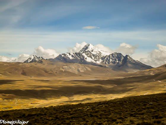 Vista da Montanha Huayna Potosí em La Paz