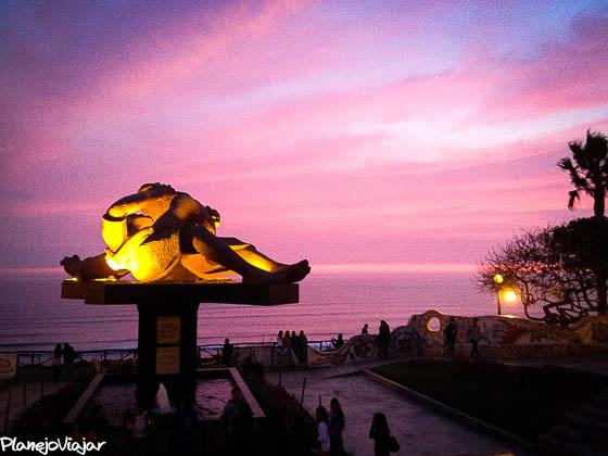 Pôr-do-sol no Parque del Amor